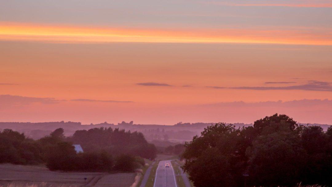 vælg din bolig på Bornholm med hjertet, så du kan nyde den smukke solnedgang