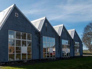 som iværksætter på Bornholm finder du sparring, læring og andre iværksættere i Møbelfabrikken i Nexø