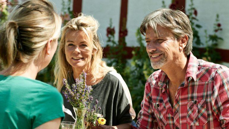 socialt samvær med andre kan gøre det nemmere at bo på Bornholm