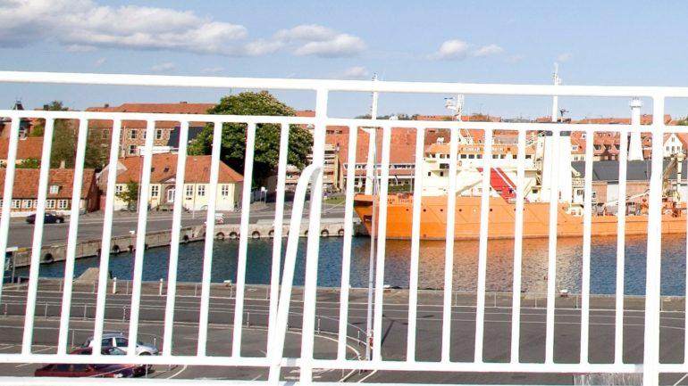 med færgen til og fra Bornholm tager turen max tre timer
