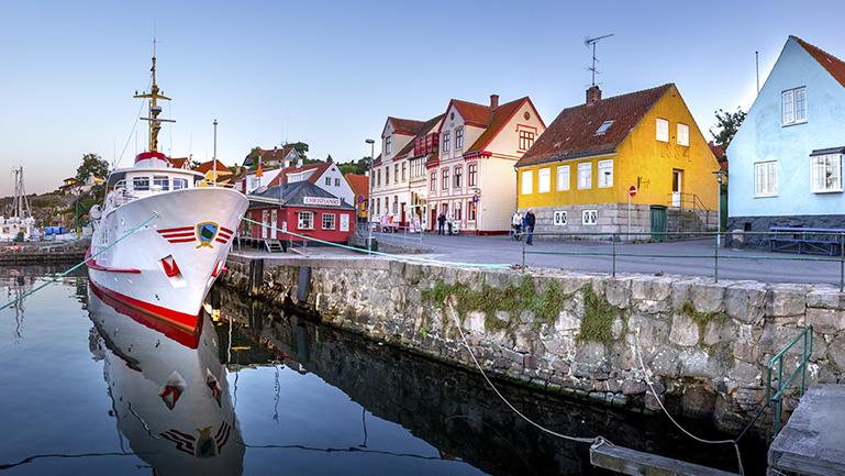 Flyt til Bornholm og find arbejde i industrien